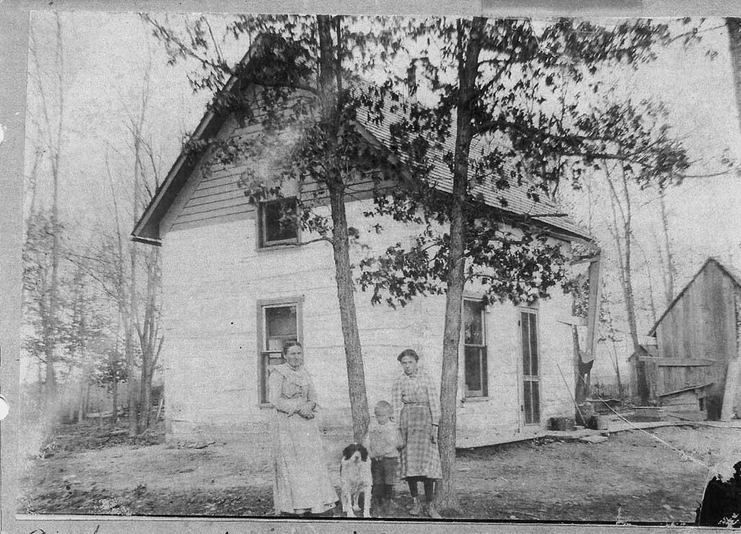 Loretta Loyd and Tressa Home in Iowa